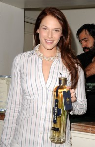 2009+Pre+Golden+Globes+DPA+Gifting+Lounge+zeUi51shnG2l