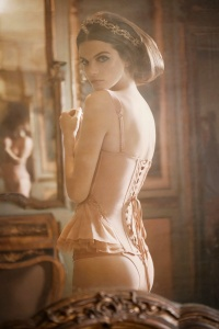 bellini -La-Perla-Spring-2013-Lookbook-05